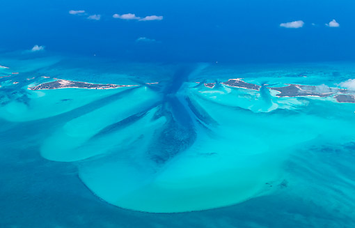LAN 09 KH0036 01 © Kimball Stock Aerial View Of The Bahamas