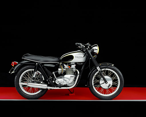 MOT 01 RK0543 03 © Kimball Stock 1968 Triumph T100R Daytona Super Sport Silver And Black Side View On Red Floor Gray Line Studio
