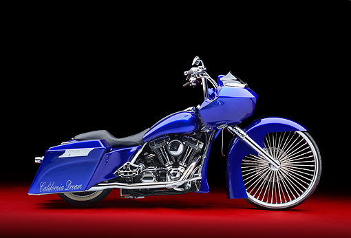 MOT 01 RK0833 01 © Kimball Stock 2002 Harley-Davidson Road Glide Candy Cobalt Blue Profile View In Studio