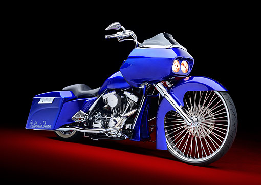 MOT 01 RK0834 01 © Kimball Stock 2002 Harley-Davidson Road Glide Candy Cobalt Blue 3/4 Front View In Studio