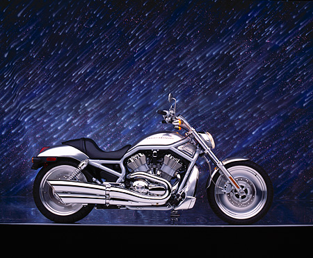 MOT 01 RK0346 07 © Kimball Stock 2002 Harley Davidson V-Rod Silver Profile On Gray Line Meteor Shower Studio