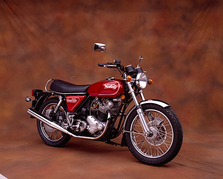 MOT 01 RK0376 03 © Kimball Stock 1975 Norton MK3 850 Roadster Red 3/4 Front View On Brown Mottled Background Studio