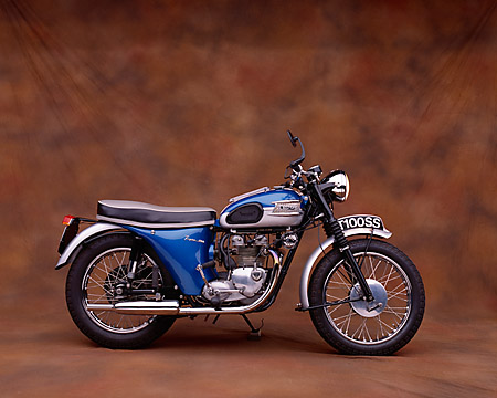 MOT 01 RK0383 06 © Kimball Stock 1962 Triumph T100SS Blue Profile View Studio