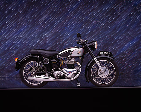 MOT 01 RK0397 06 © Kimball Stock 1955 Norton Dominator Model 7 500cc Profile View Studio