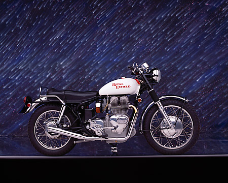 MOT 01 RK0411 04 © Kimball Stock 1970 Royal Enfield Interceptor 750cc Profile View Studio
