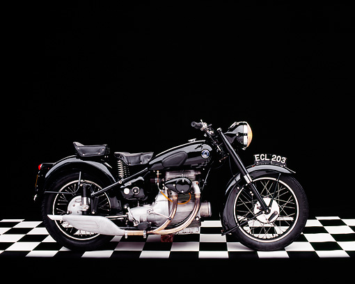 MOT 01 RK0520 03 © Kimball Stock 1950 Sunbeam S8 Black Profile View On Checkered Floor Studio