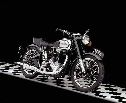 MOT 01 RK0579 02 © Kimball Stock 1947 Norton Model 18 Black And Chrome 3/4 Side View On Checkered Floor Studio