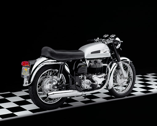 MOT 01 RK0586 02 © Kimball Stock 1966 Norton Atlas Black And Silver