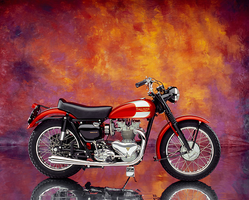 MOT 01 RK0590 02 © Kimball Stock 1955 Triumph TR5 Red British Bike Profile View On Mylar Floor Studio