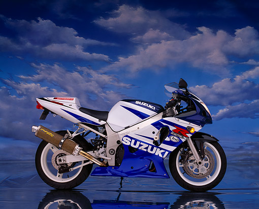 MOT 02 RK0148 02 © Kimball Stock 2003 Suzuki GSXR 600 White And Blue Side View On Mylar Floor Clouds Background Studio