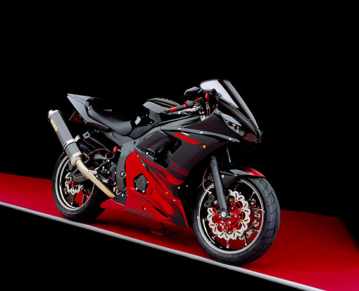 MOT 02 RK0194 02 © Kimball Stock 2003 Yamaha R6 LE Black With Red Flames 3/4 Front View On Red Floor Gray Line Studio
