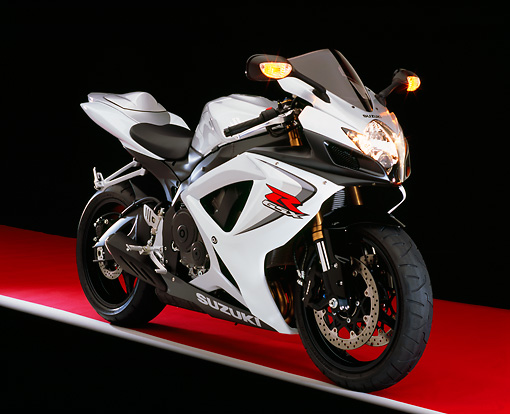 MOT 02 RK0298 05 © Kimball Stock 2006 Suzuki GSXR 600 Silver And White 3/4 Front View On Red Floor Studio