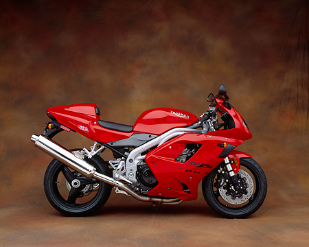 MOT 02 RK0095 07 © Kimball Stock 2003 Triumph Daytona 955i Red Profile Brown Mottled Background Studio