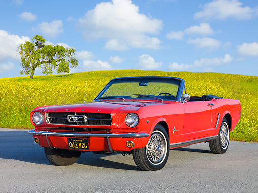 MST 01 BK0007 01 © Kimball Stock 1965 Ford Mustang Convertible Red 3/4 Front View On Gravel By Grassy Hill