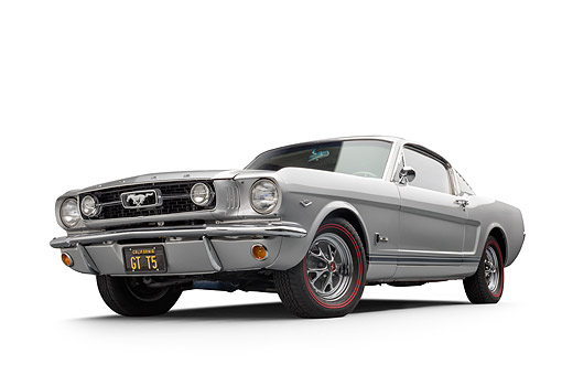 MST 01 BK0121 01 © Kimball Stock 1966 Ford Mustang GT T-5 289 Silver Low 3/4 Front View In Studio