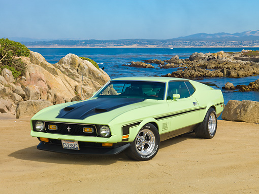 MST 01 RK1341 01 © Kimball Stock 1971 Ford Mustang Mach 1 Grabber Lime 3/4 Front View On Sand By Ocean