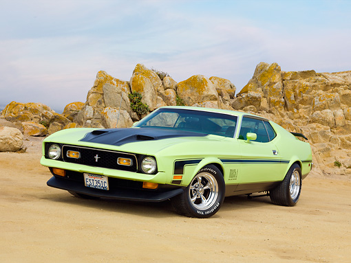MST 01 RK1343 01 © Kimball Stock 1971 Ford Mustang Mach 1 Grabber Lime 3/4 Front View On Sand By Ocean