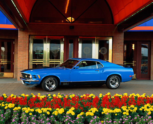 MST 01 RK0467 05 © Kimball Stock 1970 Mustang Mach 1 Grabber Blue 3/4 Side View By Front Entrance