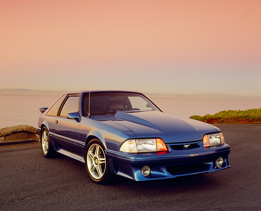 MST 01 RK0786 02 © Kimball Stock 1988 Ford Mustang GT Blue