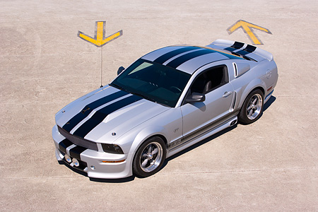 MST 01 RK0908 01 © Kimball Stock 2005 Ford Mustang BBR 500 Silver And Black 3/4 Front Overhead View On Pavement