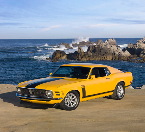 MST 01 RK1099 01 © Kimball Stock 1970 Ford Boss 302 Mustang School Bus Yellow With Black Stripe 3/4 Front View By Ocean