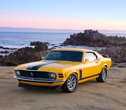 MST 01 RK1113 01 © Kimball Stock 1970 Ford Boss 302 Mustang School Bus Yellow With Black Stripe 3/4 Front View By Ocean