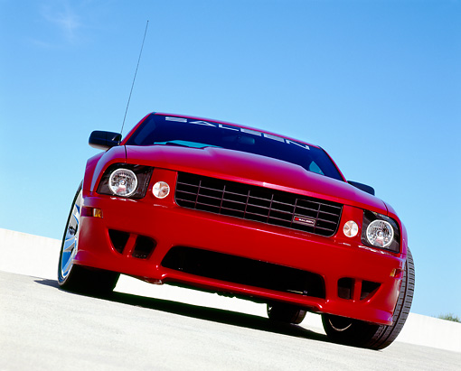 MST 02 RK0078 06 © Kimball Stock 2006 Ford, Mustang, Saleen, S281 SC, Coupe, Red Slanted Head On View On Pavement