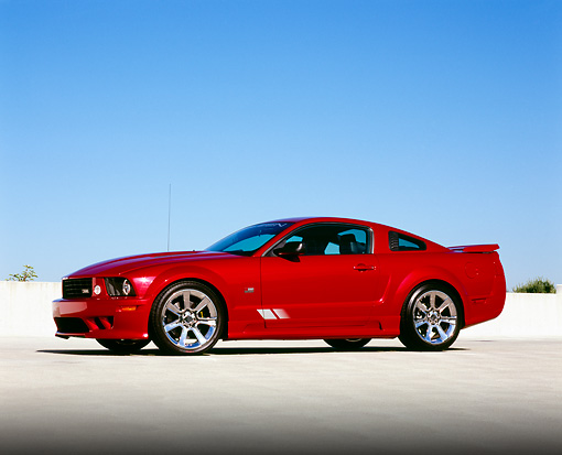 MST 02 RK0079 06 © Kimball Stock 2006 Ford, Mustang, Saleen, S281 SC, Coupe, Red 3/4 Side View On Pavement