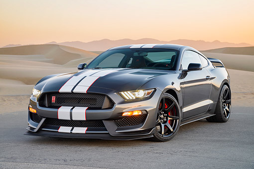 MST 03 RK0927 01 © Kimball Stock 2016 Ford Mustang Shelby GT-350R Gray 3/4 Front View In Desert