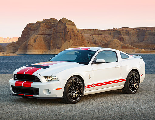 MST 04 RK0049 01 © Kimball Stock 2013 Ford Mustang Shelby GT500 White With Red Stripes 3/4 Front View On Pavement By Water