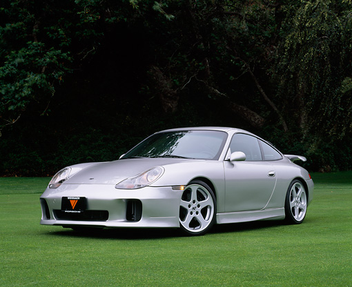 POR 04 RK0441 02 © Kimball Stock 2001 Porsche Ruf 996 Silver Low 3/4 Front View On Grass