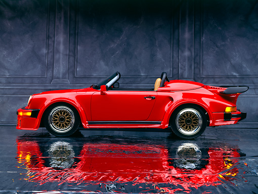POR 07 RK0004 04 © Kimball Stock 1989 Porsche 911 Speedster 25th Anniversary Edition Convertible Red Profile Studio