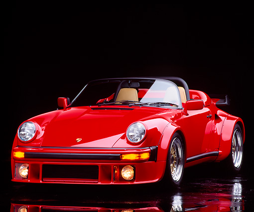 POR 07 RK0014 19 © Kimball Stock 1989 Porsche 911 Speedster 25th Anniversary Edition Red 3/4 Front View Studio