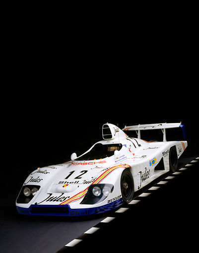 POR 27 RK0028 03 © Kimball Stock 1976 Jules Porsche Race Car 3/4 Front View On Checkered Line Studio