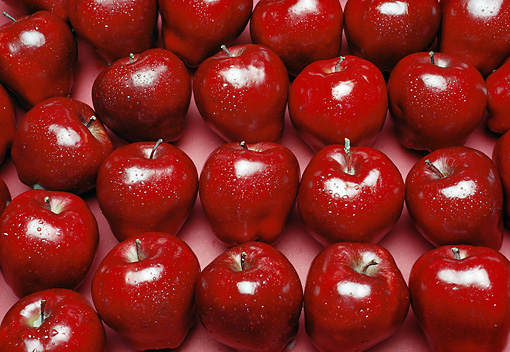 PUZ 01 RK0001 01 © Kimball Stock Red Apples