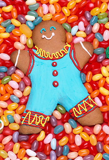 PUZ 01 RK0003 01 © Kimball Stock Gingerbread Man On Jellybeans