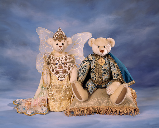 TED 01 RK0065 02 © Kimball Stock Royal Teddy Bears