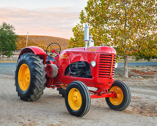 TRA 01 RK0373 01 © Kimball Stock 1940 Massey-Harris 101 Super 3/4 Front View On Farm