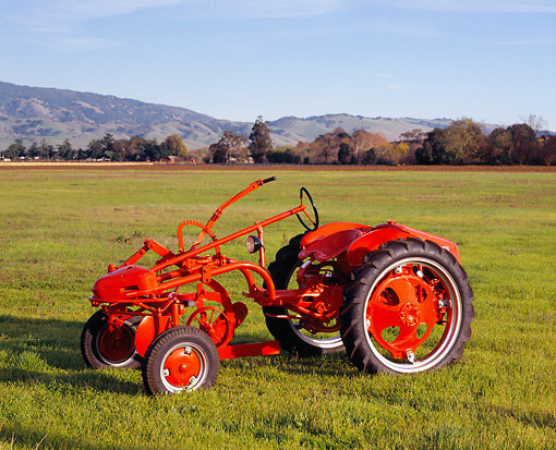 TRA 01 RK0026 01 © Kimball Stock 1948 Allis-Chalmers Model
