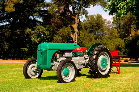 TRA 01 RK0127 01 © Kimball Stock 1941 Ford N9 Green 3/4 Front View On Grass By Trees