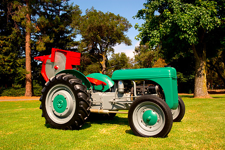 TRA 01 RK0128 01 © Kimball Stock 1941 Ford N9 Green 3/4 Side View On Grass By Trees