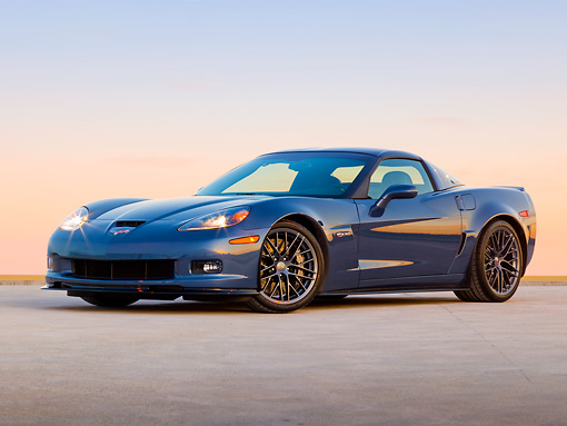 VET 01 RK0999 01 © Kimball Stock 2011 Chevrolet Corvette Z06 Blue 3/4 Front View On Pavement At Dusk