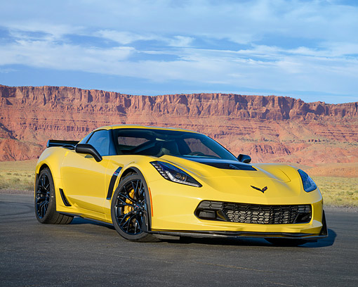 VET 01 RK1145 01 © Kimball Stock 2016 Chevrolet Corvette Z06 Supercar Yellow 3/4 Front View In Desert
