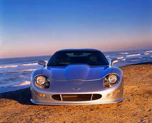 VET 01 RK0390 01 © Kimball Stock 1998 Chevrolet Corvette Callaway C12 Silver Low Head On View On Sand