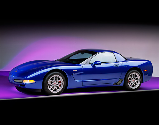 VET 01 RK0541 03 © Kimball Stock 2002 Chevrolet Corvette Z06 Blue 3/4 Side View Studio