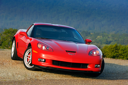 VET 01 RK0773 01 © Kimball Stock 2007 Chevrolet Corvette Z06 Red  3/4 Front View On Pavement