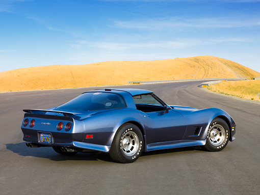 VET 01 RK0883 01 © Kimball Stock 1981 Chevrolet Corvette FSO Coupe Blue 3/4 Rear View By Hills