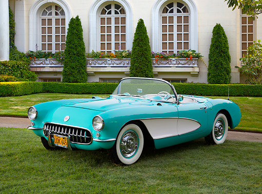 VET 02 RK0385 01 © Kimball Stock 1956 Chevrolet Corvette Green And White 3/4 Front View On Grass By Mansion