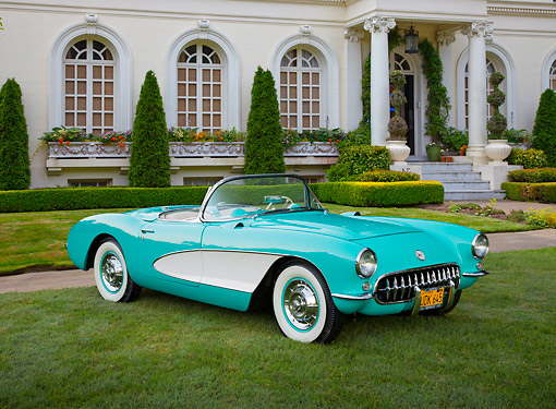 VET 02 RK0386 01 © Kimball Stock 1956 Chevrolet Corvette Green And White 3/4 Front View On Grass By Mansion