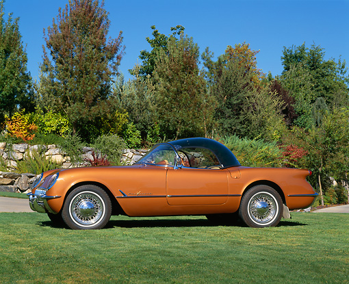 VET 02 RK0255 04 © Kimball Stock 1955 Chevrolet Corvette Bubble Top Copper Profile View On Grass